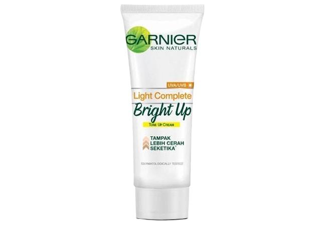 Garnier Light Complete Bright Up ToneUp Cream