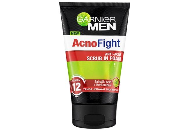 Garnier Men Acno Fight Anti-Acne Scrub in Foam, produk scrub wajah pria